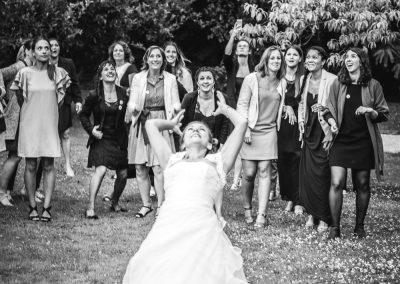 photographe lancé du bouquet mariage